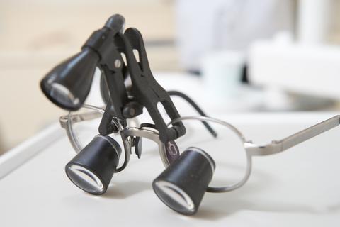 ההיסטוריה של טיפולי הסרת משקפיים